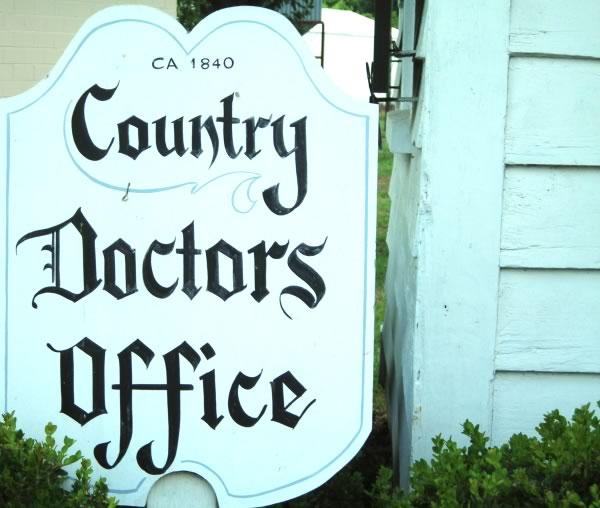 countrydoctorsoffice resized 600
